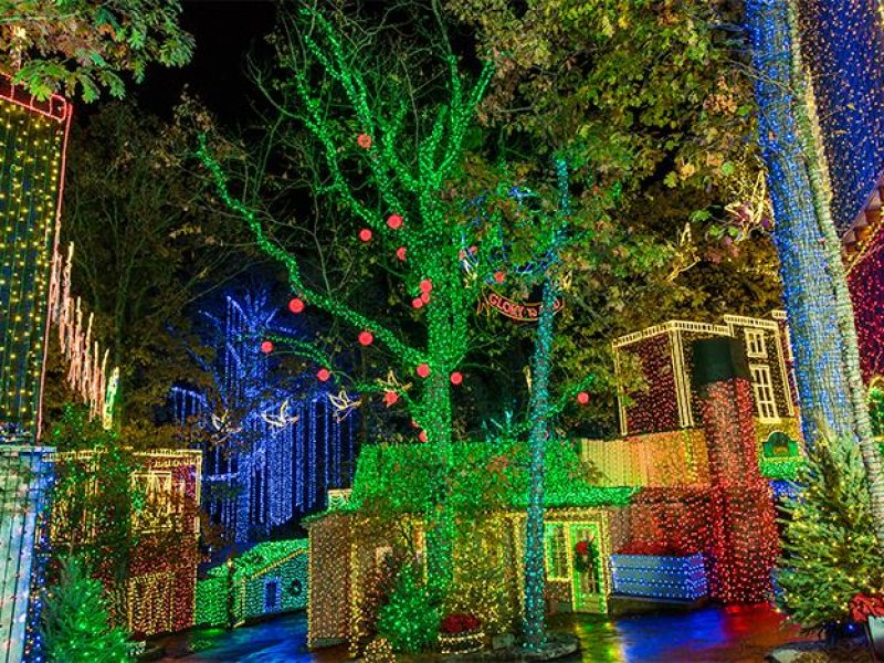 Silver Dollar City Christmas.Silver Dollar City Two Day Passes Discover Branson