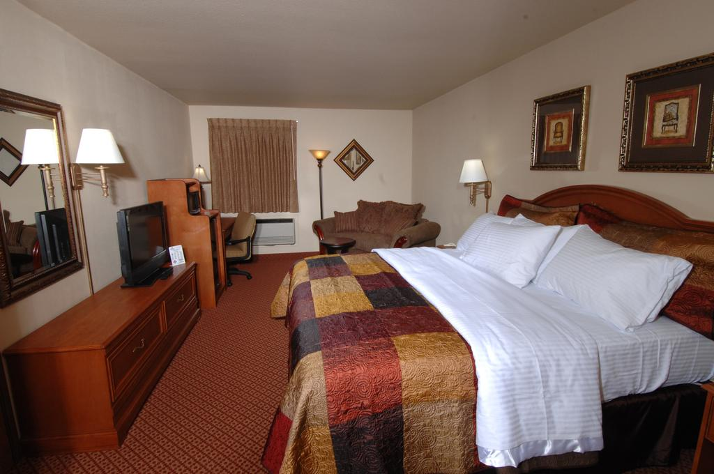 All American Inn and Suites Branson Missouri