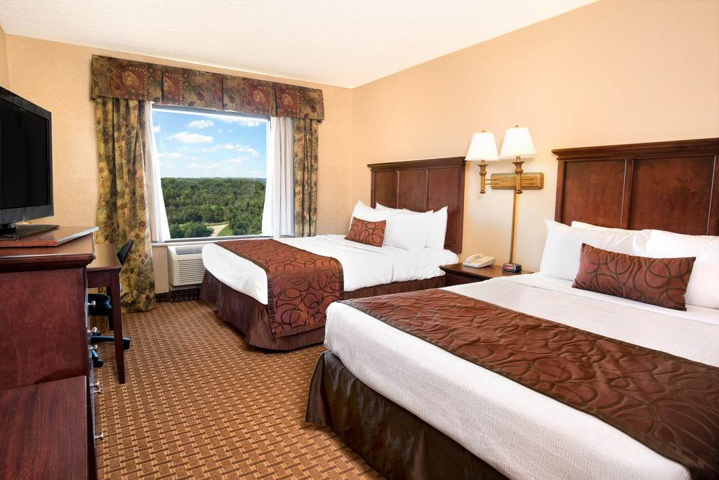 Grand Plaza Hotel Branson Missouri Special Offer